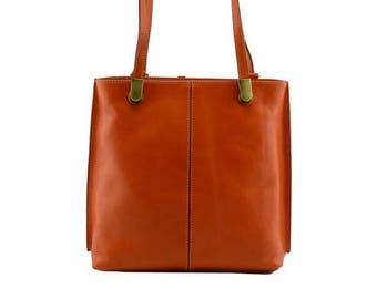 MARIA Borsa a spalla da donna convertibile in zaino con manici regolabili  borsa doppio scomparto interno pelle conciata al vegetale 6892197f8aa1