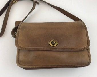 f098d59b10 COACH City Bag Tan Leather with Flap and Shoulder Strap