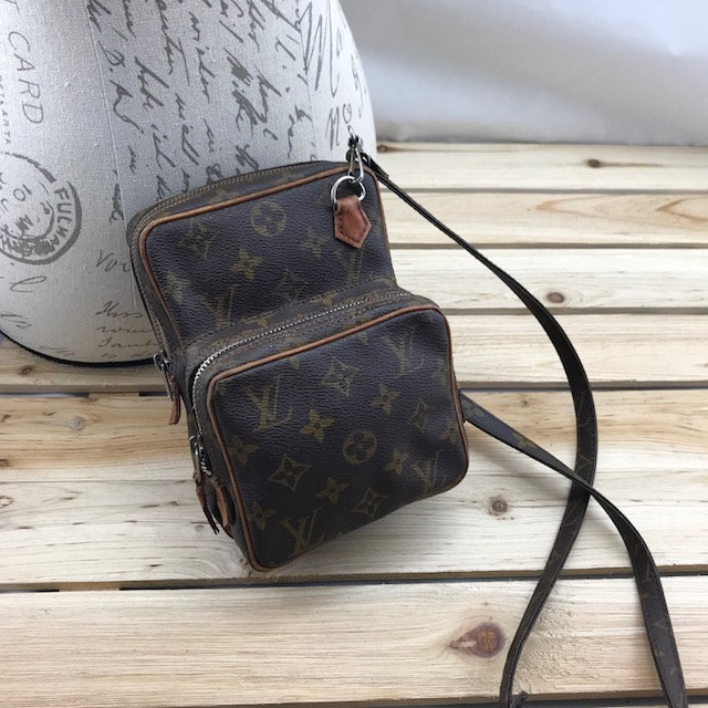 0845314666fd Louis Vuitton Mini Amazon Camera Crossbody Bag Classic LV Monogram