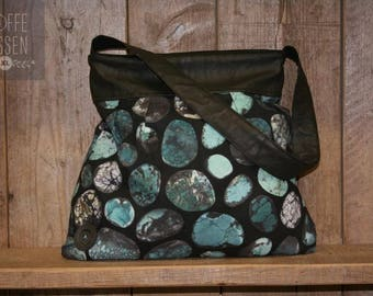 Bag of pebbles print fabric with leather edge