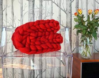 RED Chunky Yarn Blanket, Knitted Throw,  Wool Knit Blanket ,Chunky knitted blanket,  Chunky knit throw, Chunky wool blanket,