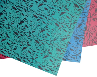 Wrapping paper birds – christmas – red, green, blue