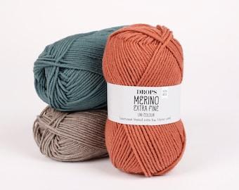 DK superwash merino wool knitting yarn DROPS Merino Extra Fine - worsted weight yarn