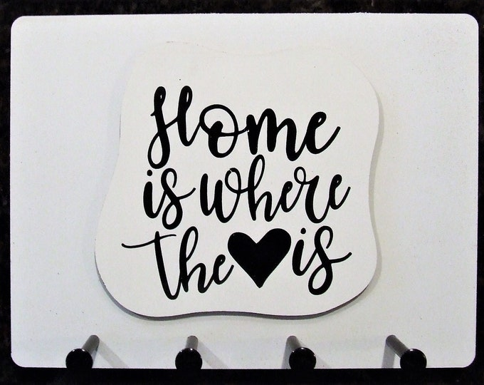 """Wall Mounted Keychain Holder Rack with Saying -""""Home is where the Heart is"""""""