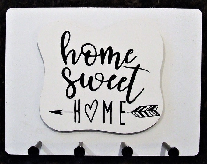 """Wall Mounted Keychain Holder Rack with saying - """"Home Sweet HOME"""""""