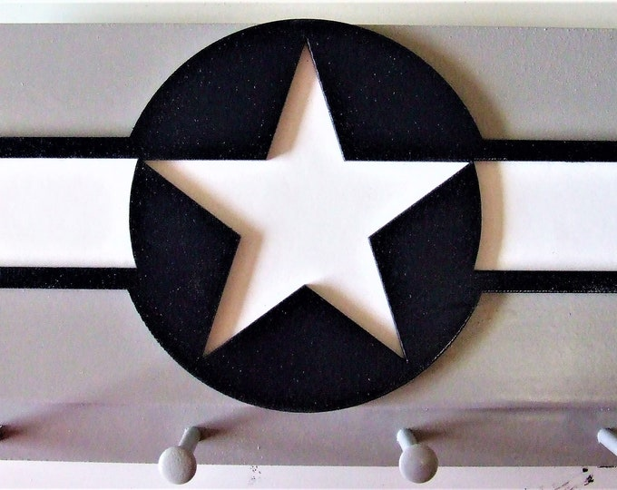 United States Gray Military Wall Mounted Aircraft Insignia (1943 to 1947) Key Chain Rack