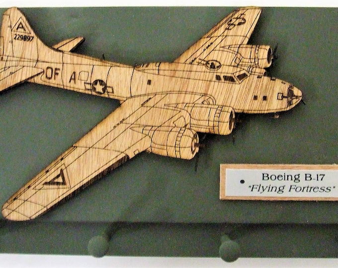 """U.S. Military WWII Aircraft - Boeing B-17 """"Flying Fortress"""" Keychain Rack"""