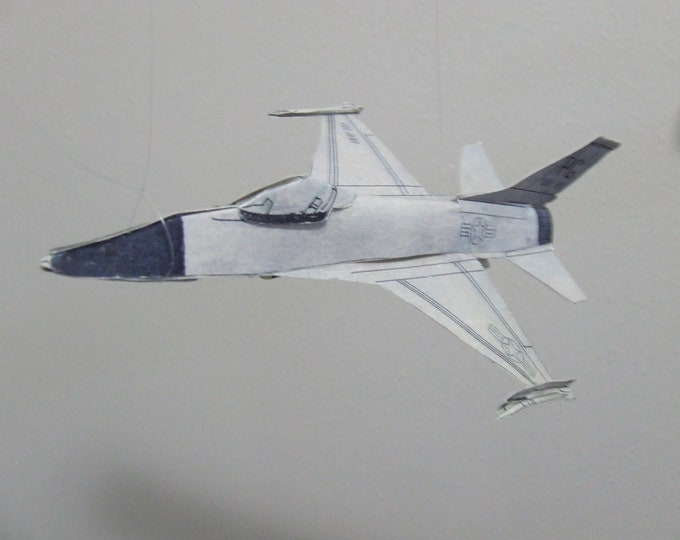 F-16 FIGHTING FALCON Jet Fighter Cut & Glue Paper Airplane Kit