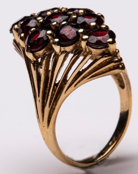 1970s gold set garnet marquise cluster ring