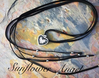 Versatile  pendant, necklace, on a long mat faux double leather thread, stunning !!! Gift box