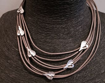 small heart crystal short necklace, in mink and silver clasp.