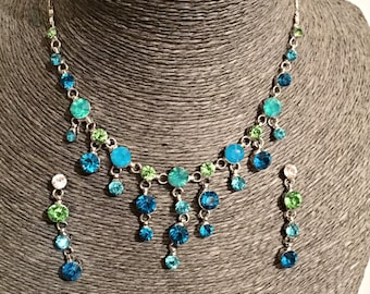 Beautiful drop blue and green tones, crystals necklace, with matching earrings
