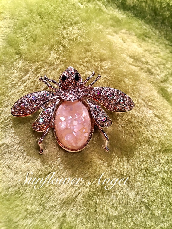 Amazing Vintage style silver glamourous bee brooch (Manchester bee). Bumble bee with crystals and opal style enamel.