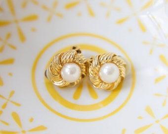 Vintage 1980's Gold Clip on Earrings, Vintage Faux Pearl & Gold Earrings, 1980's Earrings (200)