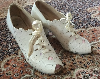 1940s White Perforated Oxfords