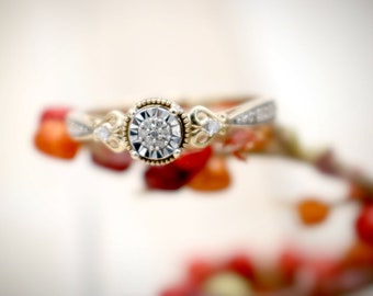 Beautiful Women's 0.07 Round CTW Diamond Ring in 10KT Yellow and White Gold - Size 6.5 - 1.40 Grams