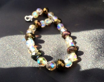 Amber and brown iridescent beaded bracelet