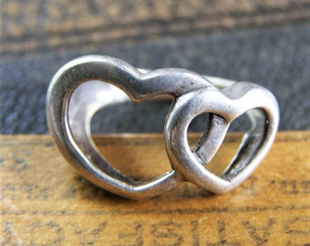 Vintage Sterling Siver Open Hand /& Heart Ring Size 9