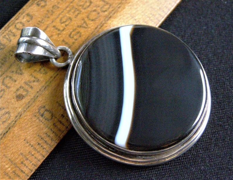 vintage banded agate sterling pendant silver black and white cabochon bezel set modernist agate bold pendant mens unisex jewelry pendant
