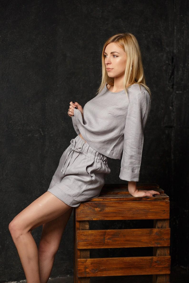 Lin gris clair costume TOSCANA pour femme tailleur en lin  fa02da9e2ca