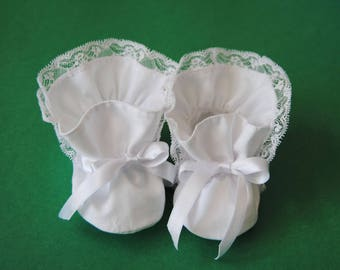 Ballet slippers in white cotton and lace