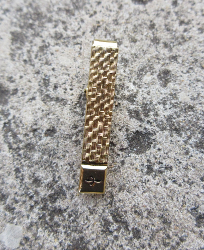 Vintage  Mens Gold Tone Tie Clip Bar Signed TRIANGLE