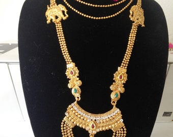 Traditional Indian Necklace With Earrings And Maang Tikka/Bridal Necklace Set/Indian necklace set/Rani Haar/ Temple Jewelry