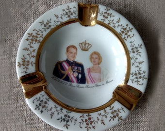 Vintage Limoges porcelain ashtray Grace Kelly and Prince Monaco Reiner Small round gold ashtray gift to a smoker