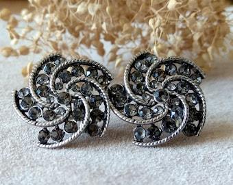 Vintage rhinestone floral earrings Elegant statement earrings of silver-tone metal hinged clasp  for pierced ears