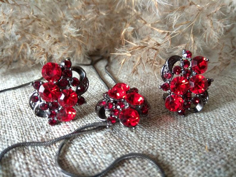 Vintage Ruby Red Rhinestone Earrings and necklace Elegant image 0