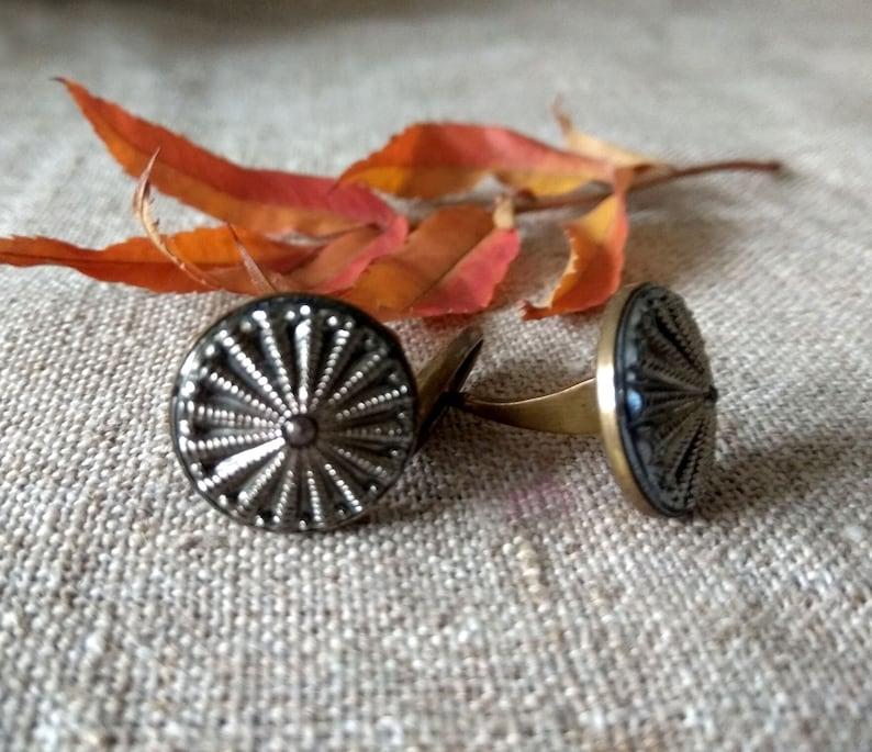 Elegant men's round cufflinks in brass wedding accessories image 0