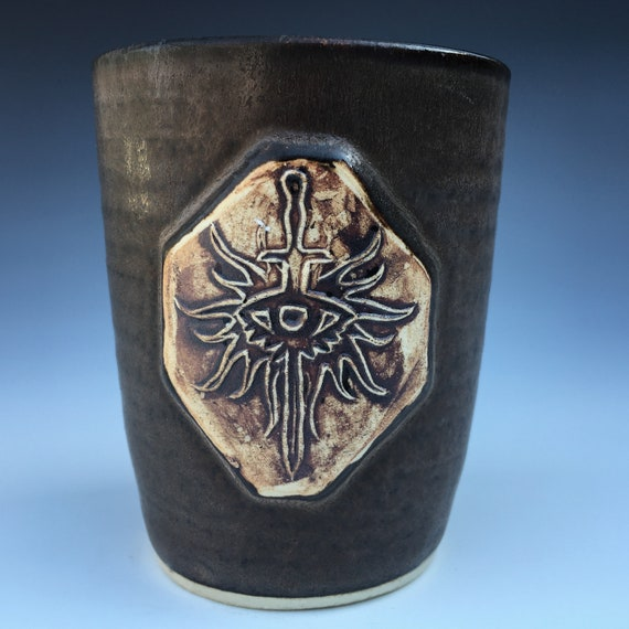 Dragon Age Inquisition - Inquisitor Symbol Cup