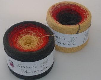 READY TO SHIP, Tulip flower,  100% Merino wool superwash yarn cake, gradient colored yarn 3ply