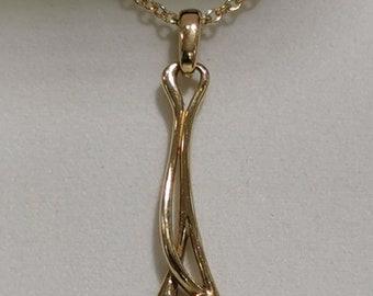 9ct Gold Ortak Pendant & Chain