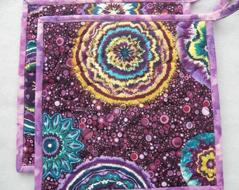 TWO Wildly Purple Potholders, Kaleidoscope Potholders, Quilted Potholders, Reversible Potholders, Fabric Potholders, Quilted Mug Rugs, Wash
