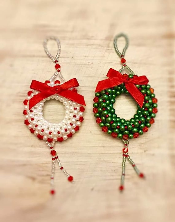 Beaded Christmas Ornaments Patterns.Beautiful Beaded Christmas Wreath Ornament Pattern