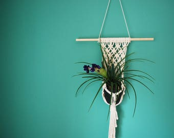 Macrame Pot Hanger / Boho Home Decor / Wall Hanger / Hanging Planter / Macramè Tapestry / Minimal Macrame / Kids Room Decor