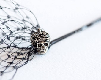 Black birdcage veil with skulls, Crowned skull veil, Black veil, Costume hair accessory, Skull hair accessory