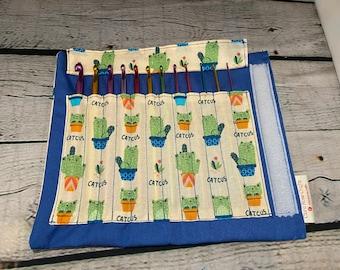 READY TO POST Cute Catus Crochet hook case with 12 crochet hooks