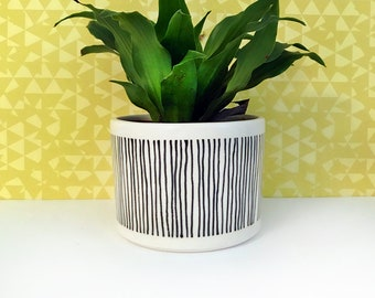 Black Striped Planter-medium