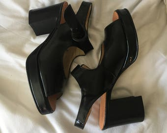 SALE LIMITED TIME black mary jane heels size 6
