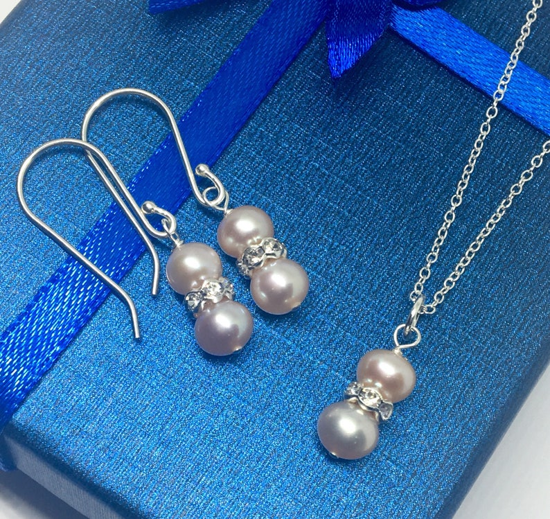 Hand Made Custom Bridal Set Sterling Silver Light Pink Freshwater Pearl Earrings and Necklace Set Uk shop 18Inch Sterling Silver Chain