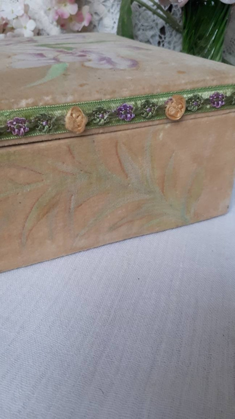 Vintage antique French romantic decoration charm box jewelry box