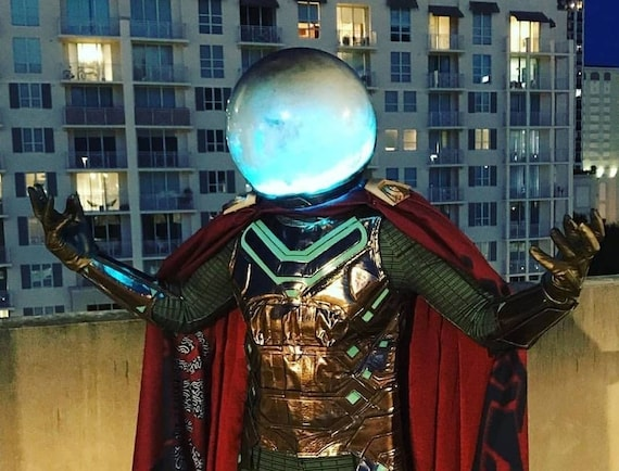 Mysterio helmet cosplay fish bowl lights up