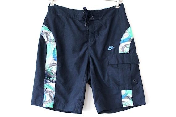 Shorts Nike des années 90, shorts sport vintage, Shorts bleus, Shorts de natation, Shorts de plage, Nike Swoosh, Sportswear, Vêtements de sport,