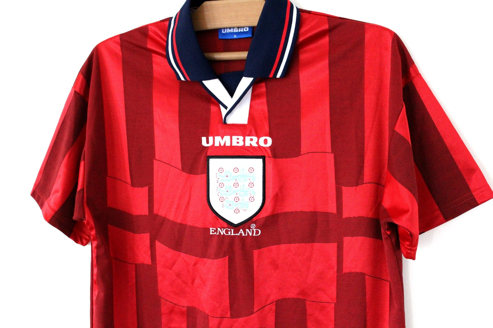 b08094326 Retro Red England Football Shirt – EDGE Engineering and Consulting ...