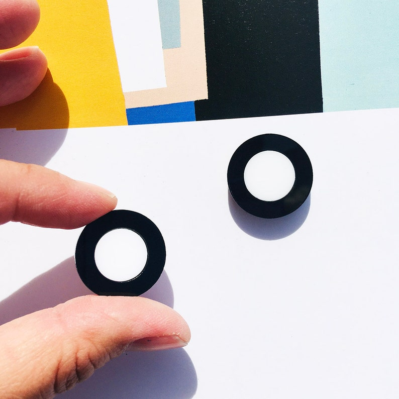 Acrylic Geometric Abstract Concentric Circle Stud Earrings  Mod  Statement Piece  Artsy  Black and White  Roundel  Heraldry