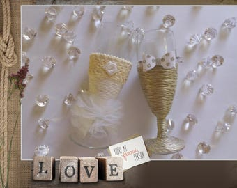 Just married - for the bride and groom champagne flutes