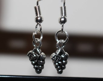Grape bunch charm earrings