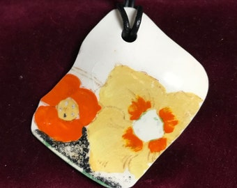Vintage hand painted Thames foreshore pottery shard necklace